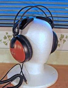 標準ヘッドフォン